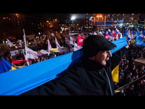 Ukraine: Pro-EU protests continue in Kiev