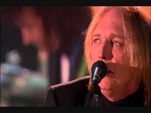 """TOM PETTY AND THE HEARTBREAKERS   """" crawling back to you """" live"""