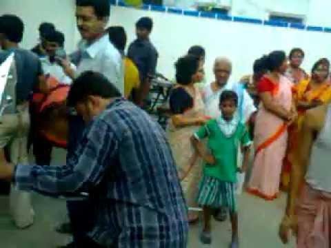 Souravs ( Gopal ) Dhaker Tale Matal Nach video