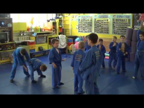 Веселые эстафеты с мячом.  Team Judo Kids