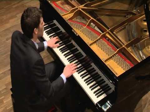 Miguel González, piano. Sonata nº 51 Hob. XVI/38 - Haydn