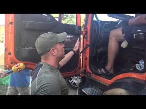 Блокада Крыма: дальнобойщики в ответ перекрыли дорогу. Хватило ненадолго