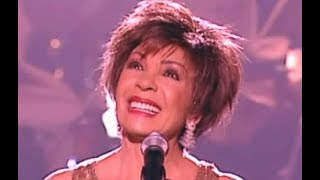 Shirley Bassey - The Living Tree (2005 LIVE)