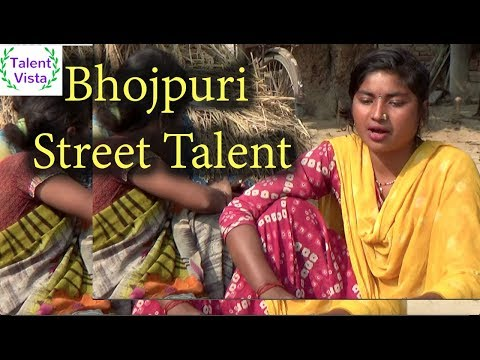 Dosto is jamane me kya ho gaya-Indian street singer with awesome voice