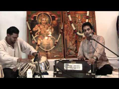 Prashanti Sai - Beautiful Sai Kirtan by Pundit Munelal Maharaj