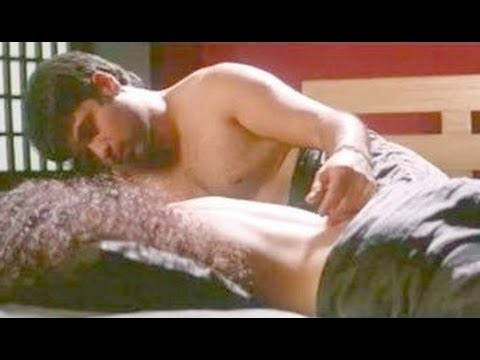 Gangster | Emraan Hashmi And Kangana Ranaut Hot Bed Scene