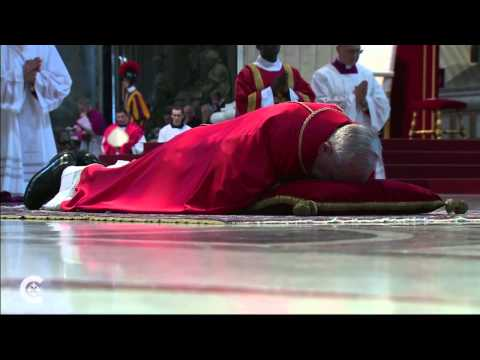 Pope begins Good Friday liturgy