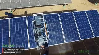 Làm sạch tấm pin năng lượng mặt trời trên quy mô trang trại