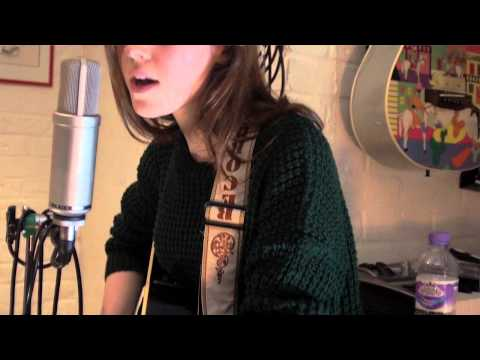 Esme Neale - Tidal Wave (Original Song) - Live Session