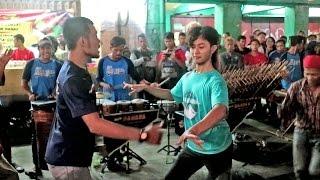 download lagu Bojoku Ketikung - Yang Goyang Gak Kalah Kreatif Pengamen gratis