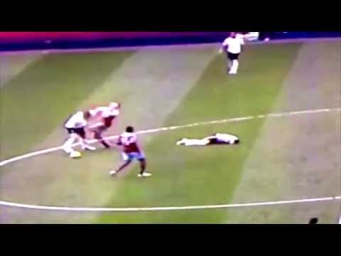 Jan Vertonghen PUSHES AND FOULS Mark Noble and goes unpunished vs West Ham HD