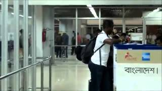 BPL Cricketers at Dhaka Airport Herschelle Gibbs Dwayne Smith Marlon Samuels Stuart Law SYED