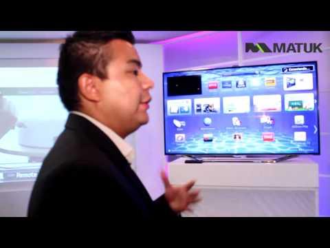 Samsung muestra el funcionamiento de Smart TV en la LED TV ES8000