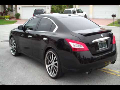 Mc Design Whips 2010 Nissan Maxima 22 Quot Staggered Vossen