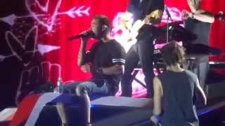 One Direction Video - One Direction - Introducing the Band + Beautiful Girl +  Human Nature - WWA Madrid 11/07/2014
