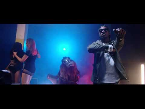 """VIDEO: L.A.X – """"Open and Close"""""""