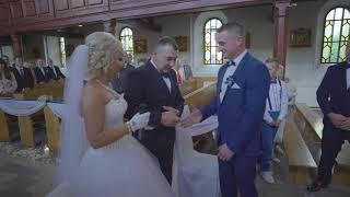 Pani młoda śpiewa wchodząc do kościoła piosenkę napisaną dla męża