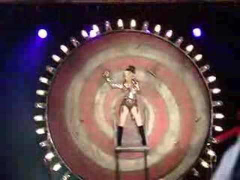 Christina Aguilera - Welcome
