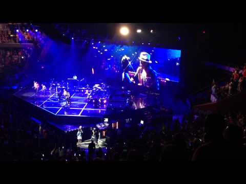 Bruno Mars serenades Zumyah Thorpe with Just The Way You Are...