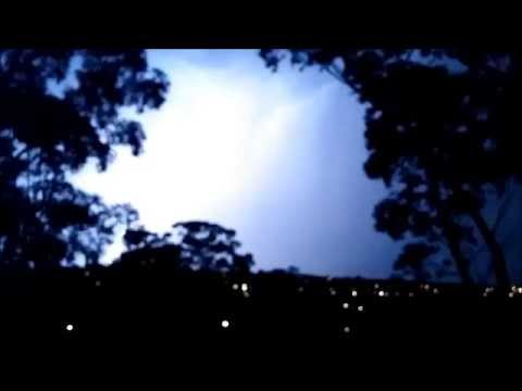 Melbourne Lightning Storm - Monday, 27 October 2014 (unedited) video