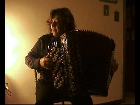 Carmela Federico suona ROSE ROSSE – Musica di E. POLITO – Rumba fisarmonica accordion accordéon