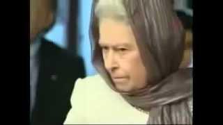 Елизавета II слушает чтение Корана!