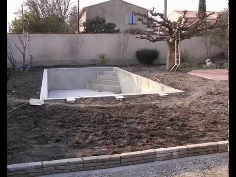 Piscine b ton liner ved ne par for Construction piscine desjoyaux youtube