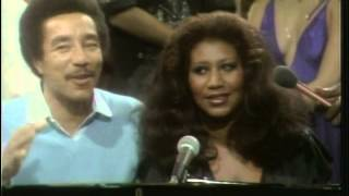 Aretha Franklin & Smokey Robinson Ooh Baby Baby (Live) + interview