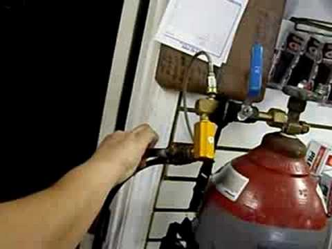 Find A Gas Station >> Instrucciones de como llenar un tanque de co2 para paintball - YouTube