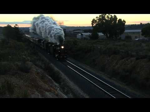 Australian Steam Trains: K190 and K153 make great vision up Chewton bank