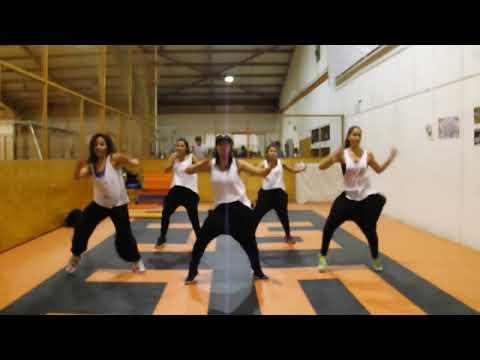 Baile entretenido UCSC Meneando la Cintura