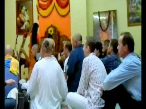 Iskcon Kirtan. Baby-devotee Dancing! video