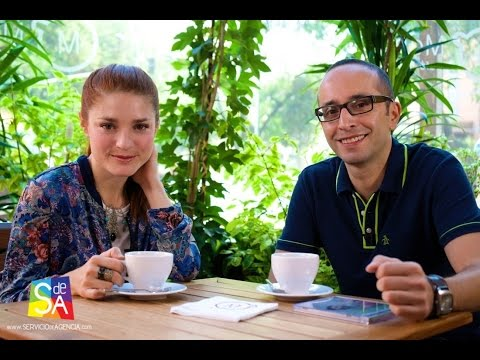 La Bermúdez en para Pura Pantalla con Hélder Beltrán y Ginés Navarro en Servicio De Agencia
