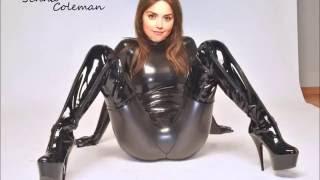 Latex attired female Latex Lucy sucking vibrator before inserting it in twat № 958760 бесплатно