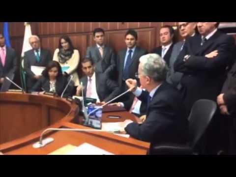 Respuestas al debate en contra de honra de Álvaro Uribe Vélez