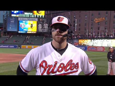 Chris Davis talks after his possible last game with the Orioles