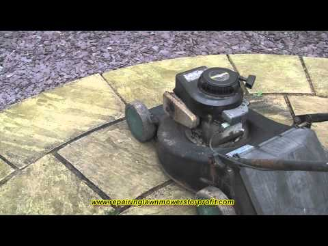 Repairing Lawn Mowers For Profit Part 25 ( Petrol Lawn Mower White Smoke Problem)