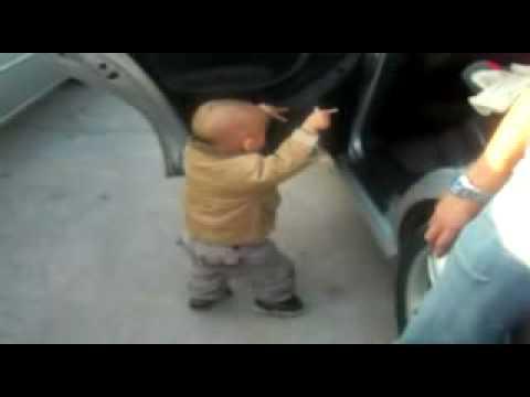 طفل يرقص thumbnail