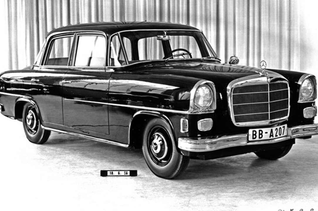 2843. Mercedes benz w122 (Prototype Car) - YouTube