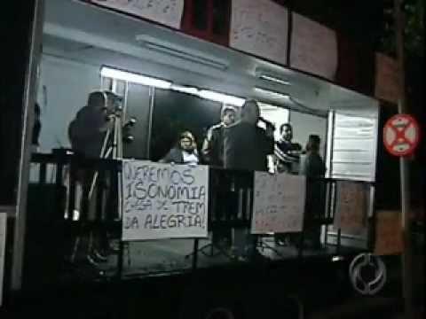 Servidores municipais de Londrina aprovam indicativo de greve