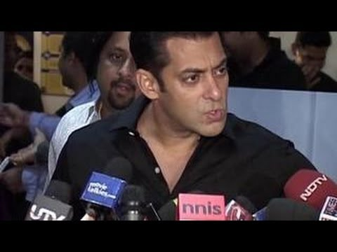 Bollywood stars INSULT & ABUSE REPORTERS