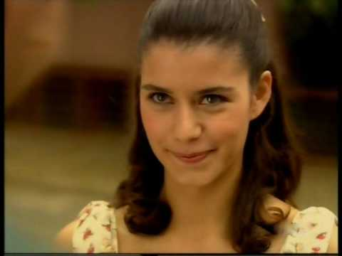 Beren Saat Vs Asli Tandogan video