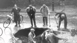 Watch Bernard Cribbins Hole In The Ground video