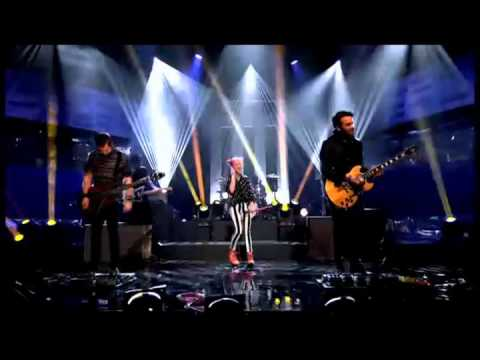Paramore - Still Into You (The Graham Norton Show)