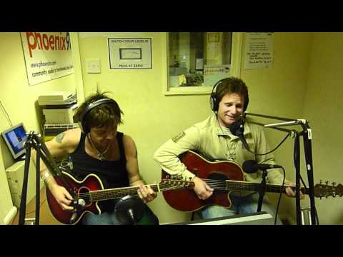 Ben Williams and Brian Robertson - The Runner (Phoenix FM session)