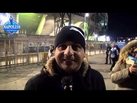 Tifosi azzurri dopo Napoli-Genoa 2-1 (doppietta Higuain)