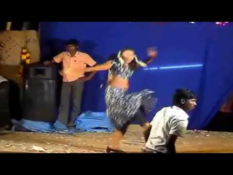 Tamil Village Sexy Girl Romantic Recording Dance.part-1 video