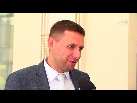 Володимир Парасюк розповів, як шукає наречену на чужих весіллях