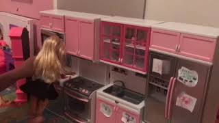 Annya and Elsya go to Barbie's house for a sleepover