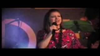 Crystal Lewis - Mi Redentor Vive (Costa Rica 2010)